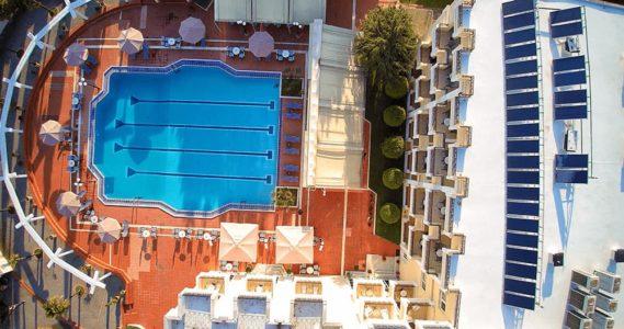 pisina-hotel-kouros